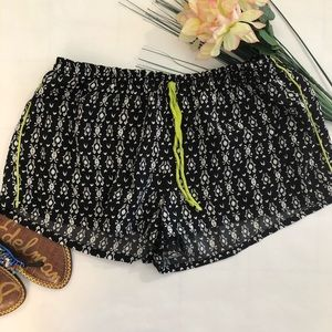 No Brand Black and white comfy street has shorts